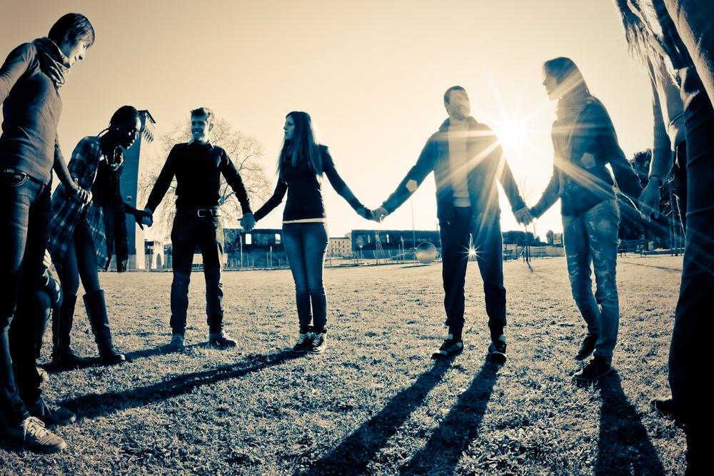 3 ideias de festas temáticas para jovens cristãos fazerem retiros espirituais