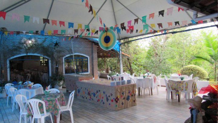Como organizar uma festa junina ao ar livre